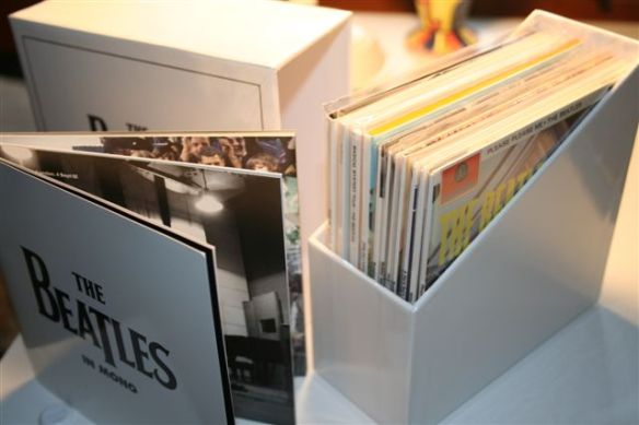 The box slides out to reveal 11 CDs (in their plastic covers) and the 44 page booklet