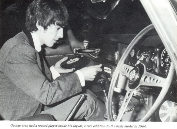 record_player_car
