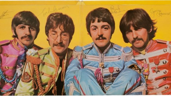 beatles_signed_sgt_peppers_-_h_2013