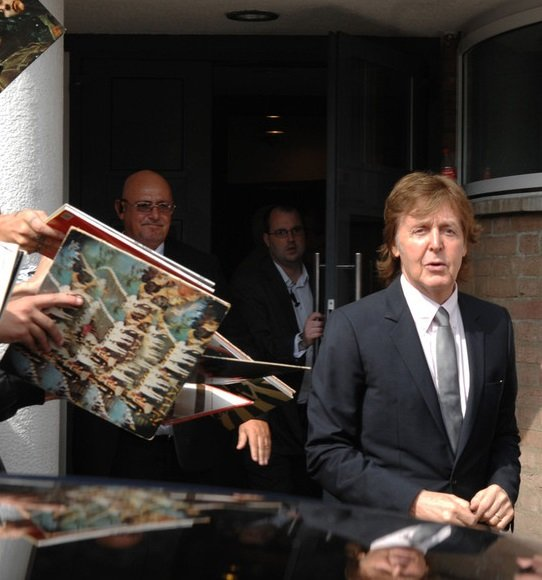 McCartney with Records3