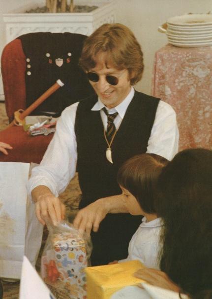 Lennon Family Album4