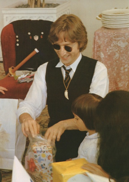 Lennon Family Album4
