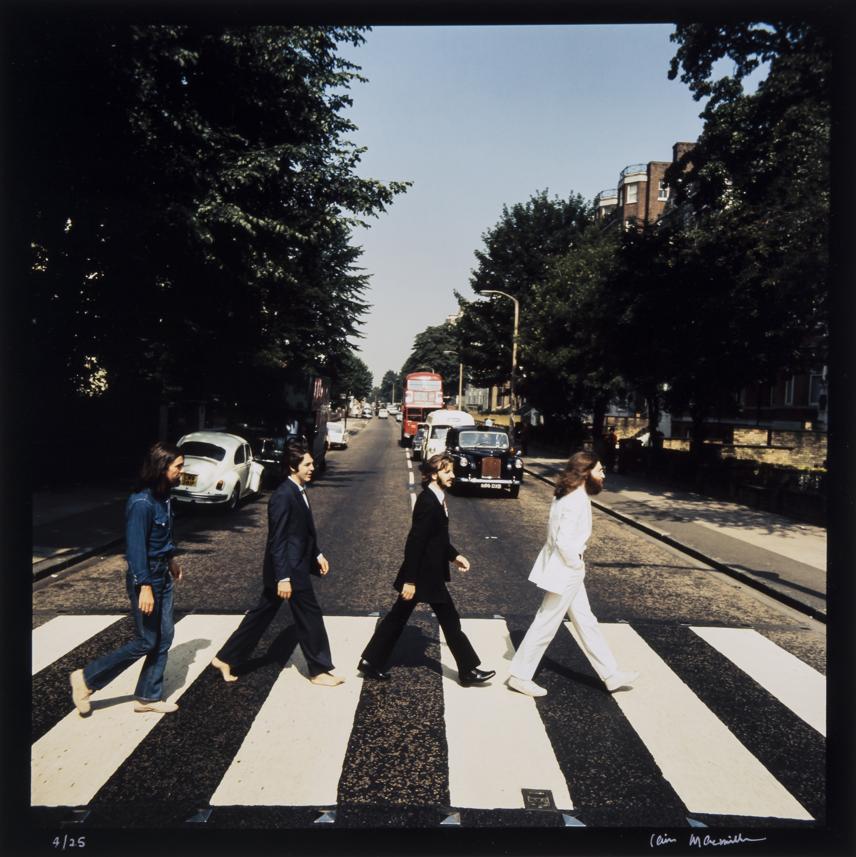 complete set of beatles abbey road photos to be auctioned beatles blog. Black Bedroom Furniture Sets. Home Design Ideas