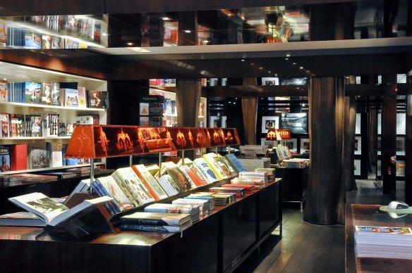 Taschen Store Paris