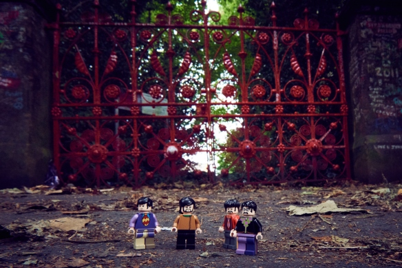 Lego Beatles on tour in Liverpool - Strawberry Fields © Mikael Buck / Lego