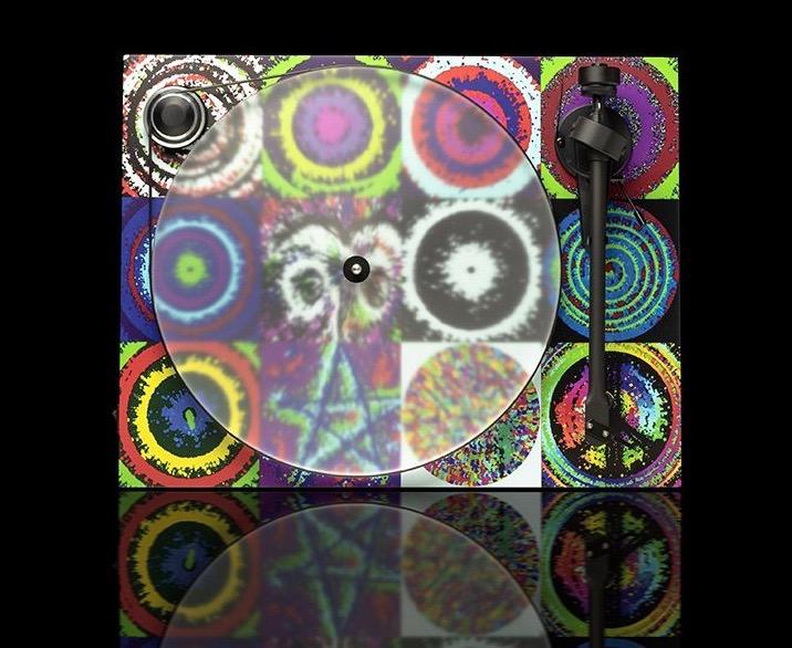 PeaceAndLoveTurntable-1-1024x684 2